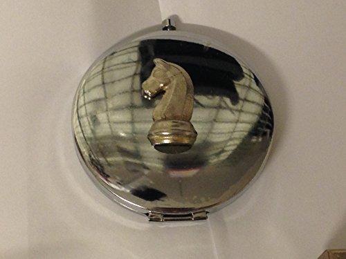 Giftsforall GT21 Schachfigur, Ritterpferd, 2 x 3,2 cm, aus englischem Zinn auf einem runden Taschenspiegel, verchromt