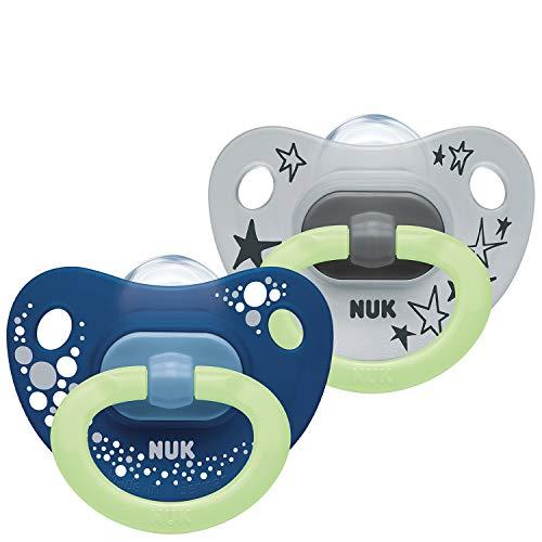 NUK Happy Nights Schnuller mit Leuchteffekt, 0-6 Monate, Silikon, 2 Stück mit Schnullerbox, Blau