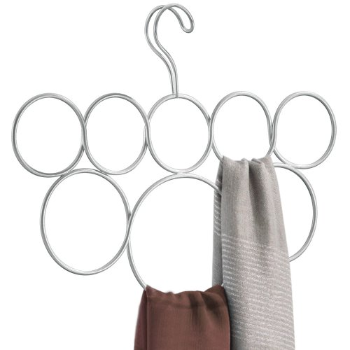 iDesign Classico Schalbügel mit 8 Ringen, Hängeorganizer für Schals, Krawatten, Gürtel, Pashminas und Co. aus Metall, mattsilberfarben
