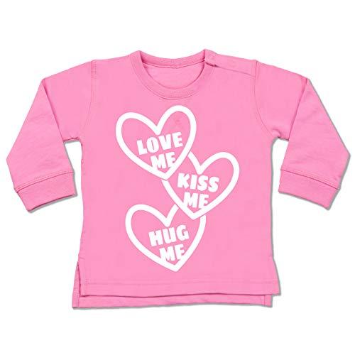 Valentinstag Baby - Love me, Kiss me, Hug me mit Herzen - weiß - 6/12 Monate - Pink - Fun - BZ31 - Baby Pullover