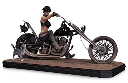 BATMAN DC Comics Gotham City Garage Catwoman Statue