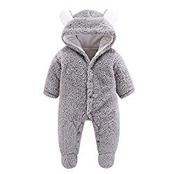 Composition: soft flannel for a snug and warm feel ,eliminate irritation on young skin.Tips: the baby clothes tag is designed sewn on the outside to avoid stimulate baby's delicate skin Style: lovely hooded Romper Onesie for baby,featuring a cute hoo...