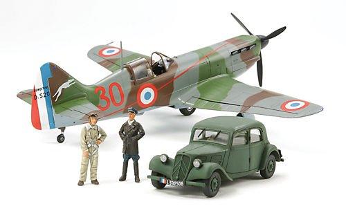 タミヤ 1/48 傑作機シリーズ No.109 フランス空軍 デヴォアティーヌ D.520 エース搭乗機 スタッフカー付 プ...