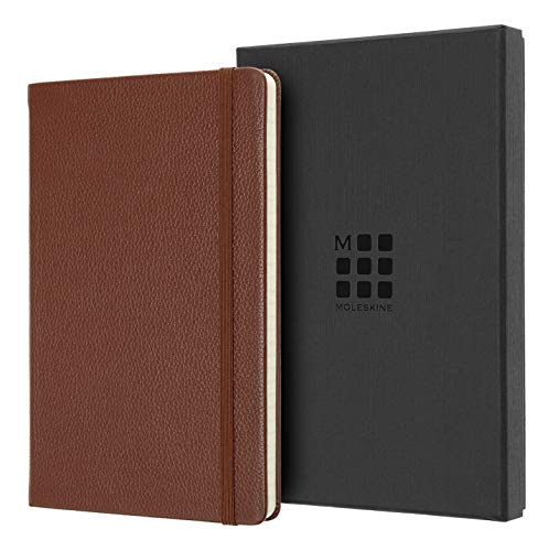 Moleskine Classic Notebook, Taccuino a Righe, Copertina Morbida in Pelle e Chiusura ad Elastico, Formato Large 13 x 21 cm, Colore Marrone Siena, 176 Pagine