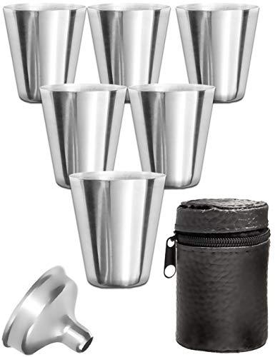 Outdoor Saxx® - 8-Teiliges Edelstahl-Becher Set, 6 unzerbrechliche Schnaps-Becher, Schnaps-Gläser aus Metall, Metall-Becher mit Einfüll-Trichter und Leder-Tasche, ideales Flachmann-Zubehör