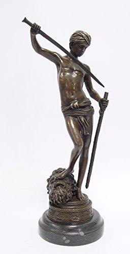 Bronzefigur Skulptur Motiv: Davids Sieg über Goliath auf Marmorsockel bronze Höhe 32,8 cm
