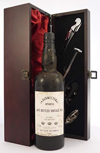 Burmester Late Bottled Vintage Port 1964 in einer mit Seide ausgestatetten Geschenkbox, da zu 4 Weinaccessoires, 1 x 750ml