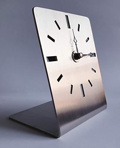 Tischuhr-silber-modern-klassisch-elegant, geräuscharm, geprägt von höchster Qualität-einzigartigen Design