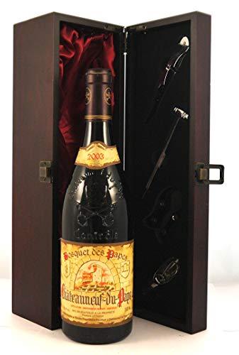 Chateauneuf du Pape 2003 Les Bosquet des Papes in einer mit Seide ausgestatetten Geschenkbox, da zu 4 Weinaccessoires, 1 x 750ml