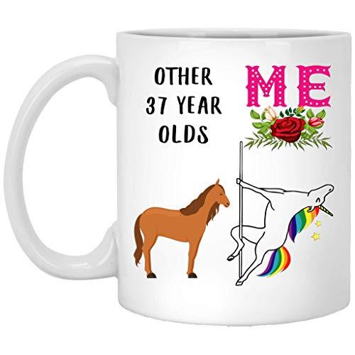 Regalo de 37 años para mujeres nacidas en 1980, regalo de 37 años de edad para ella, divertida taza de café de baile de unicornio, taza blanca de 11 onzas