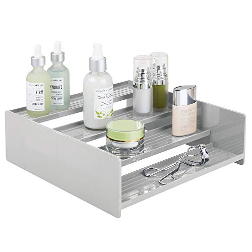 mDesign Sistema de almacenaje multiusos – Perfecto como caja para medicamentos o para organizar vitaminas y suplementos – Estante en escalera de plástico con 4 niveles – gris claro