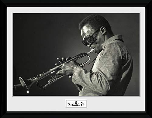 1art1 Miles Davis - Portrait Gerahmtes Bild Mit Edlem Passepartout | Wand-Bilder | Kunstdruck Poster Im Bilderrahmen 40 x 30 cm