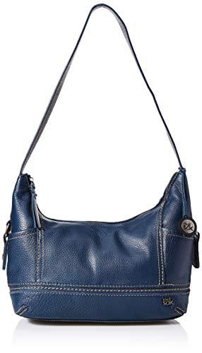 Pockets: 2 slip, 1 zip, 3 exterior