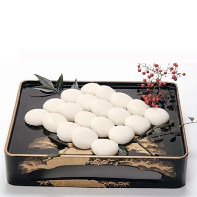 絹もち 白もち(15個入)【無農薬あいがも餅米使用】《杵つきでなめらかな食感》
