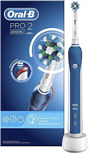 Oral-B PRO 2 2000N Elektrische Zahnbürste/Electric Toothbrush mit visueller Andruckkontrolle für extra Zahnfleischschutz, 2 Putzprogramme inkl. Sensitiv, Timer, 1 CrossAction Aufsteckbürste, blau