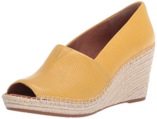 Gentle Souls by Kenneth Cole Women's Charli A-line 2 Wedge Sandal, Pale Yellow, 7