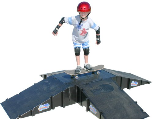 Landwave 4-Sided Pyramid Skateboard Kit with 4 Ramps and 1-Deck