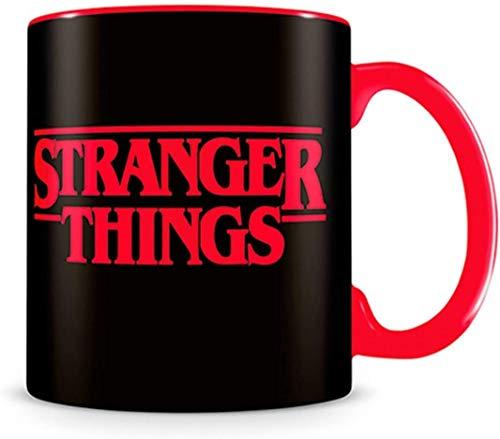 Stranger Things Tasse, 315 Milliliter.