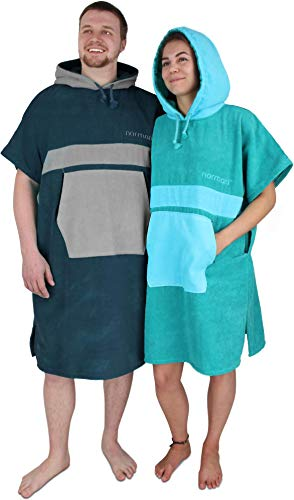normani Unisex Handtuch-Poncho | Umzieh-Hilfe - Strand-Bademantel für Damen und Herren aus 100% Baumwoll Farbe Navy/Grau Größe S/M