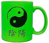 vanVerden Neón Taza – Yin y Yang – Meditación zen Esotérica China – Impresión por ambos lados – Idea de regalo taza de café, color verde neón
