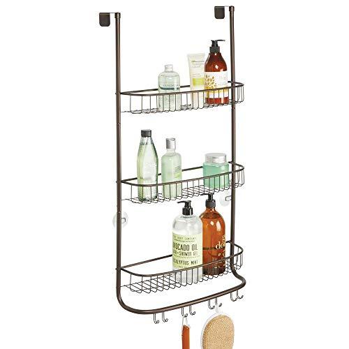 mDesign Estantería de ducha para colgar – Colgador para ducha de fácil instalación y sin agujeros – Cestas metálicas grandes para accesorios de ducha con 3 repisas y 8 ganchos – color bronce