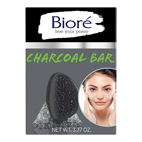 Bioré Charcoal Pore Penetrating Bar, with Jojoba Beads for Gentle Exfoliation of Oily Skin, 3.77 Ounce