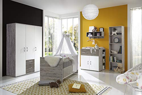 Babyzimmer Franzi in Eiche Sand und Weiß 7 teiliges Megaset mit Schrank, Bett mit Lattenrost und Umbauseiten, Wickelkommode und Regalen