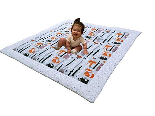 Divita Baby Krabbeldecke Kuscheldecke Spieldecke 115x115 cm groß, weich und gepolstert 100% Baumwolle mit süßen Muster (Wald - Sterne)