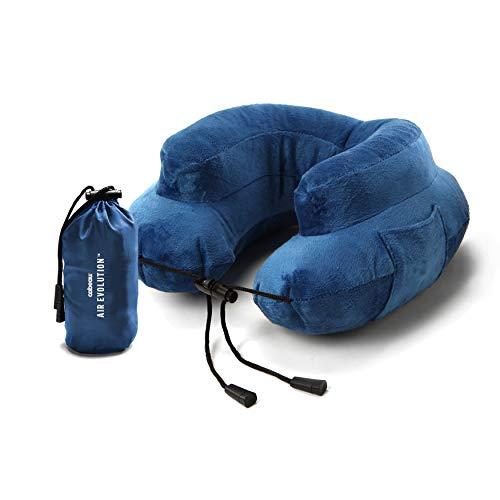 Cabeau Aufblasbares Reise-Nackenkissen und Etui Air Evolution - Komprimiert auf Dosengröße zur einfachen Lagerung - Abwaschbarer Wildlederbezug - 360 Grad Nackenkomfort und Kinnschutz - Blau
