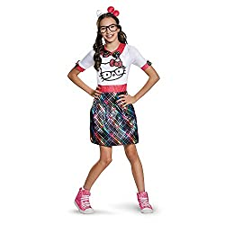 Tween dressed as a hello kitty nerd