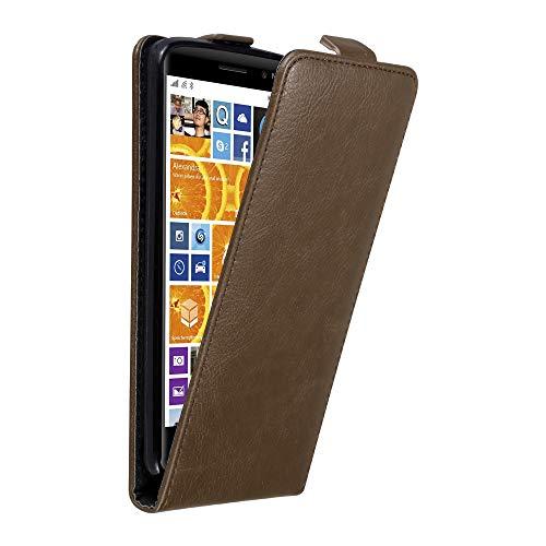 Cadorabo Hülle für Nokia Lumia 830 in Kaffee BRAUN - Handyhülle im Flip Design mit Magnetverschluss - Case Cover Schutzhülle Etui Tasche Book Klapp Style