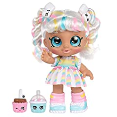 Meet marsha Mello and discover the world of Kindi Kids and their rainbow kindi! My head bobbles and wobbles! Push My cake pop up to my mouth and see me take a bite out of it! Squeeze My babycino and make the marshmallows move! Discover My friends; Je...