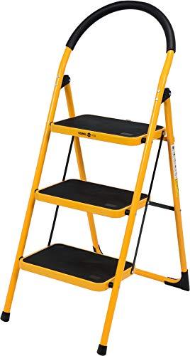 Robusta escalera plegable de 3 peldaños.