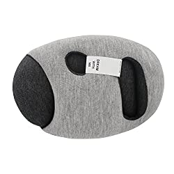 woman using small ostrich pillow
