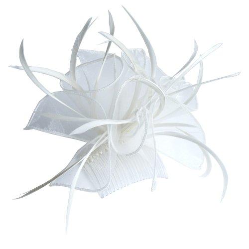 Crème grande boucle de tissu et fascinateur plume sur un peigne clair.