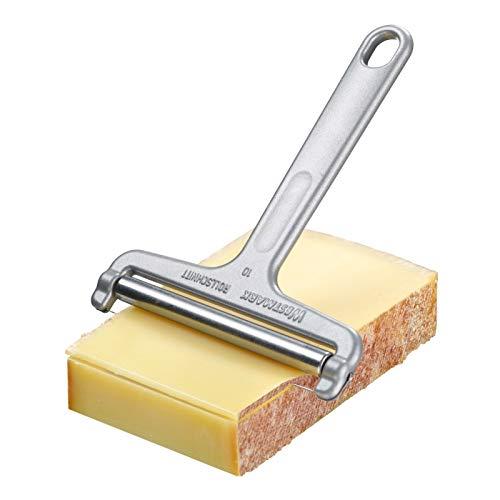 Il robusto Top-Seller in alluminio. Ideale per tutti i tipi di formaggio da taglio (anche il formaggio morbido può essere raffreddato e tagliato facilmente). Consiglio da intenditore: lo spessore delle fette varia in base all'inclinazione dell'affett...