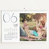 sendmoments Fotokalender 2022 mit Relieflack, Kalenderjahr, Wandkalender mit persönlichen Bildern, Kalender für Digitale Fotos, Spiralbindung, DIN A4 Querformat