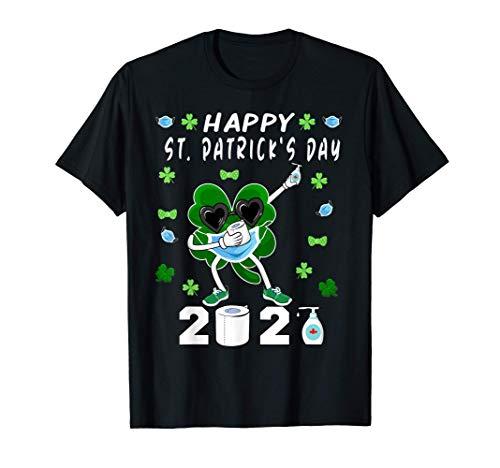 mujeres Dabbing Shamrock In A Mask Feliz día de San Patricio Camiseta