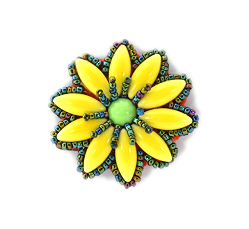 Broche Flor Margarita verde y amarillo pequeña (porcelana y cuentas de cristal–Bijou Fantasía