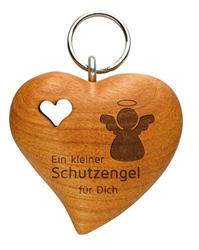 Schlüsselanhänger aus Holz als Kleiner Schutzengel (naturbelassenes Zierholz, in Herzform, mit gefrästem Holzherz, Lasergravur)