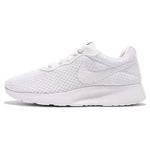 Nike Wmns Tanjun, Zapatillas de Running Mujer, Blanco (White/White/Black 110), 44.5 EU