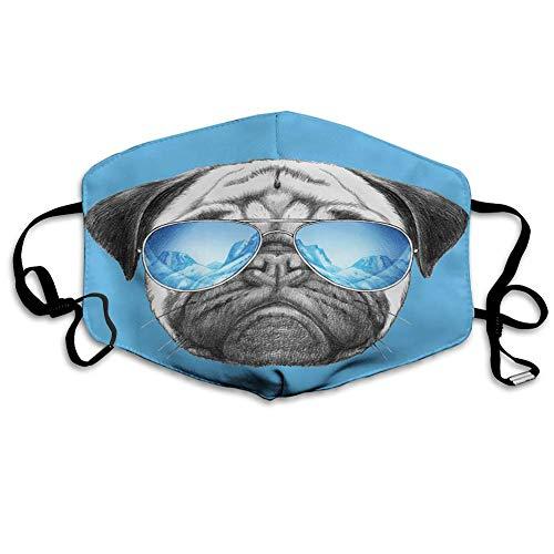 Bequeme Winddichte Maske, Mops, Mops-Porträt mit Spiegel-Sonnenbrille Hand gezeichnete Illustration von Haustier Tier lustig, Perlblau
