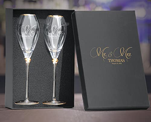 Set of 2 Personalized Wedding Engraved Champagne Flutes- Mr and Mrs Design - For Weddings,Parties and Anniversary