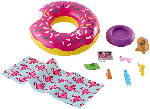 Barbie FXG38 - Möbel Flamingo Spielset Outdoor mit Donut Schwimmring und Hündchen, Puppen und Puppenzubehör ab 3 Jahren