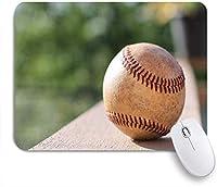 GUVICINIR マウスパッド 個性的 おしゃれ 柔軟 かわいい ゴム製裏面 ゲーミングマウスパッド PC ノートパソコン オフィス用 デスクマット 滑り止め 耐久性が良い おもしろいパターン (ボールクローズ野球夏浅い深さ陸上競技フィールドスポーツレクリエーションパークアウトドアデザイン)