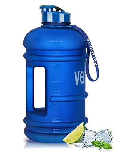 VENNERLI Trinkflasche Sport 2,2L Wasserflasche Fitness Flasche Training Groß Plastik Gym Bottle Sportflasche mit Griff BPA Frei Auslaufsicher Ideal für Sport Gym Fitness Büro Heim (Mattblau)