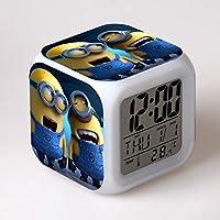 * Questo cubo luminoso a sette colori dall'aspetto accattivante è una sveglia con display della temperatura. * Il display retroilluminato mostra l'ora, il giorno della settimana, la data, il mese e la temperatura in (° C) o (° F), mentre l'alloggiame...
