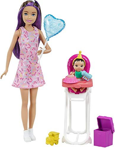 Barbie Skipper Muñeca canguro con vestido y bebé, con trona de niño de juguete y accesorios de cumpleaños (Mattel GRP40)