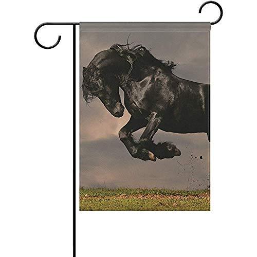 Garten Banner,Gartenflaggen,Gartendekoration Flagge,Haus Hof Flagge,Schwarzes Friesisches Hengst-Galopp-Pferd In Der Sonnenuntergang-Dekorativen Willkommens-Flagge,Hauptdekor-Fahne,45.7X32Cm
