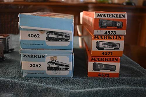 MARKLIN HO All Metal Vintage Set New Haven EMD F-7 Locomotive+Dummy +3 Box Cars.